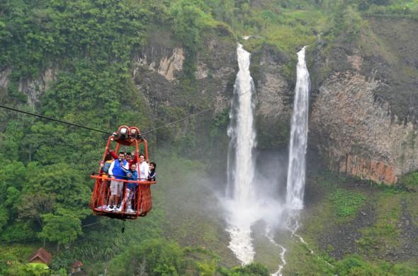 Primeras dos cascadas de las siete que puedes encontrar en Baños, Ecuador.