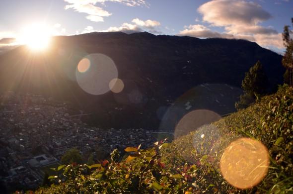 Atardecer sobre la ciudad de Baños, Ecuador.