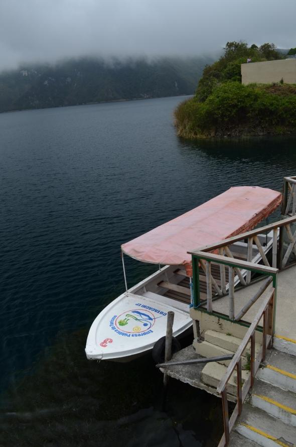 Laguna en la Reserva ecológica de Cotacachi