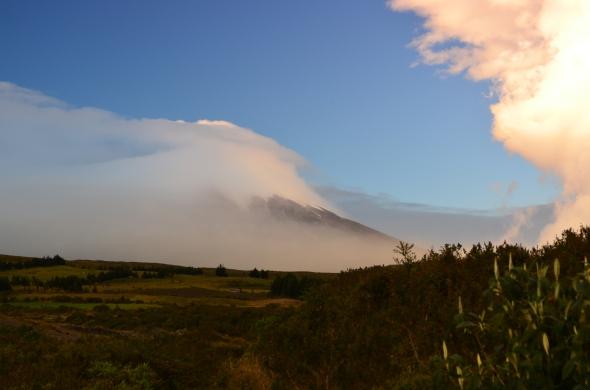 Cotopaxi despertando al amanecer